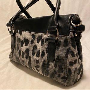 Apt. 9 Bags - Apt 9 animal print vegan leather purse. NWOT.